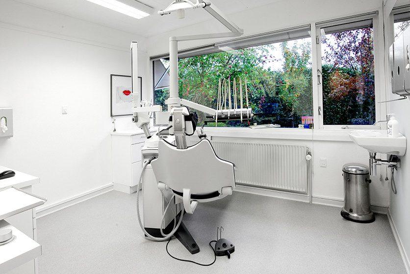 Tandlæge Rønne - tandlægen.dk er klar til at tage i mod dig - Book her